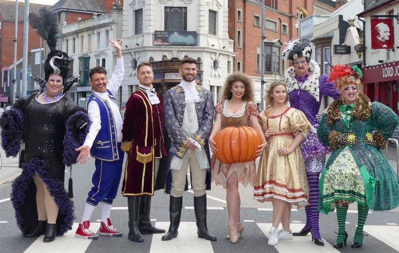 Review: Cinderella Panto